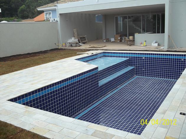 construimos sua piscina em alvenaria concreto ou vinil