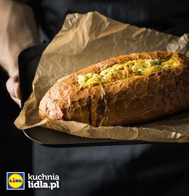 Losos I Jajka Pieczone W Chlebie Przepis Recipe Food Snacks Bread