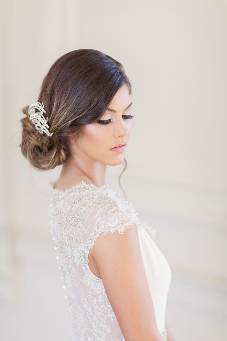 Natural Glam Bridal Makeup And A Simple Wedding Hairstyle For This Classic Bride Simple Wedding Hairstyles Bridal Hair And Makeup Hair Makeup