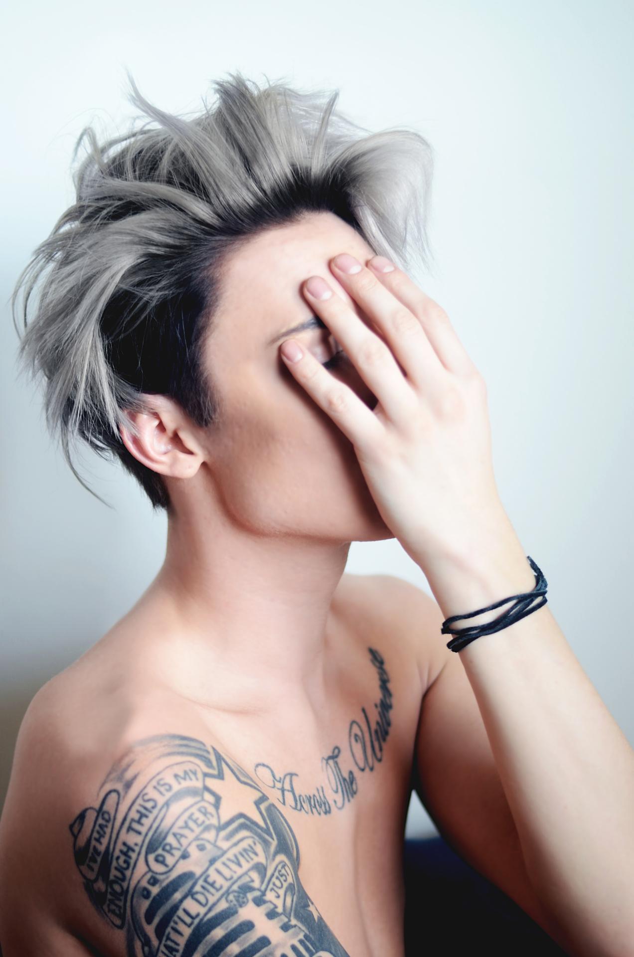 Pin By Michael Velardi On Hair Ombre Hair Men Silver Hair Highlights Grey Hair Dye
