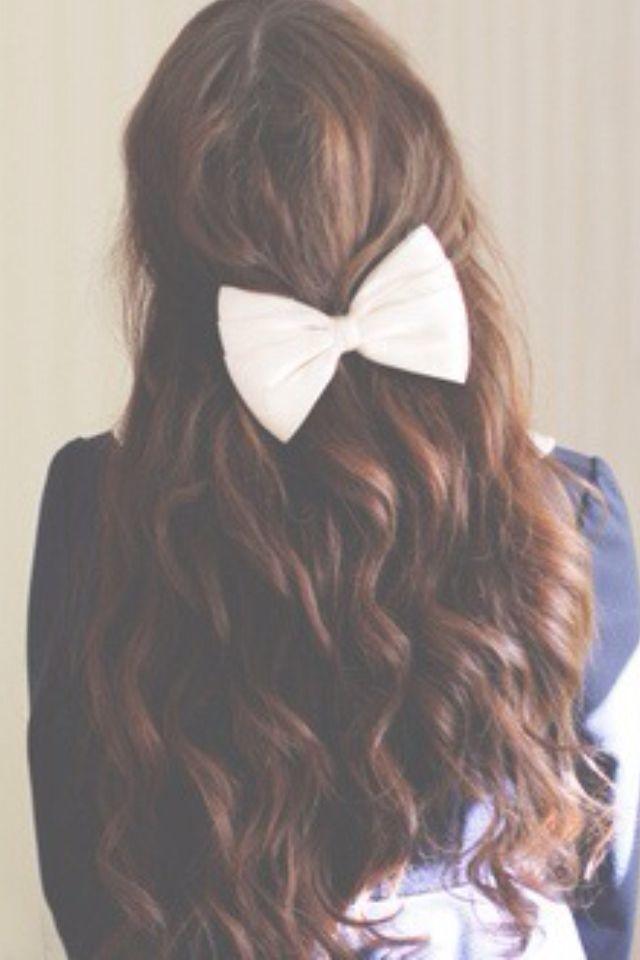Curly half up half down hair with bow #gorgeoushair