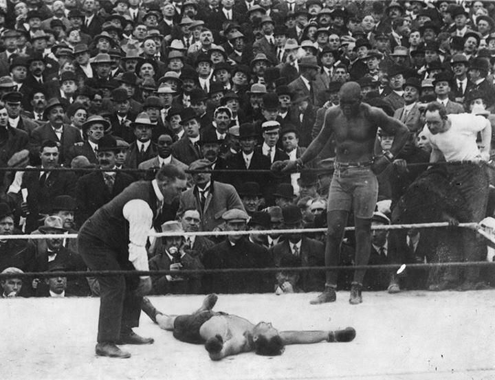 Happy Birthday to the first black Heavyweight Champion of the World! - Jack Johnson (1878-1946) pic.twitter.com/HutPytvpUo