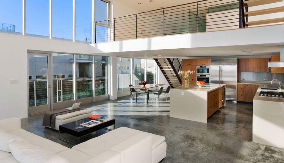 Lección de vida acerca de los LOFTS:   - Evita alboroto  - 4220 Buttermilk luce perfecto en la cocina!  Diseño de Folonis Architects.