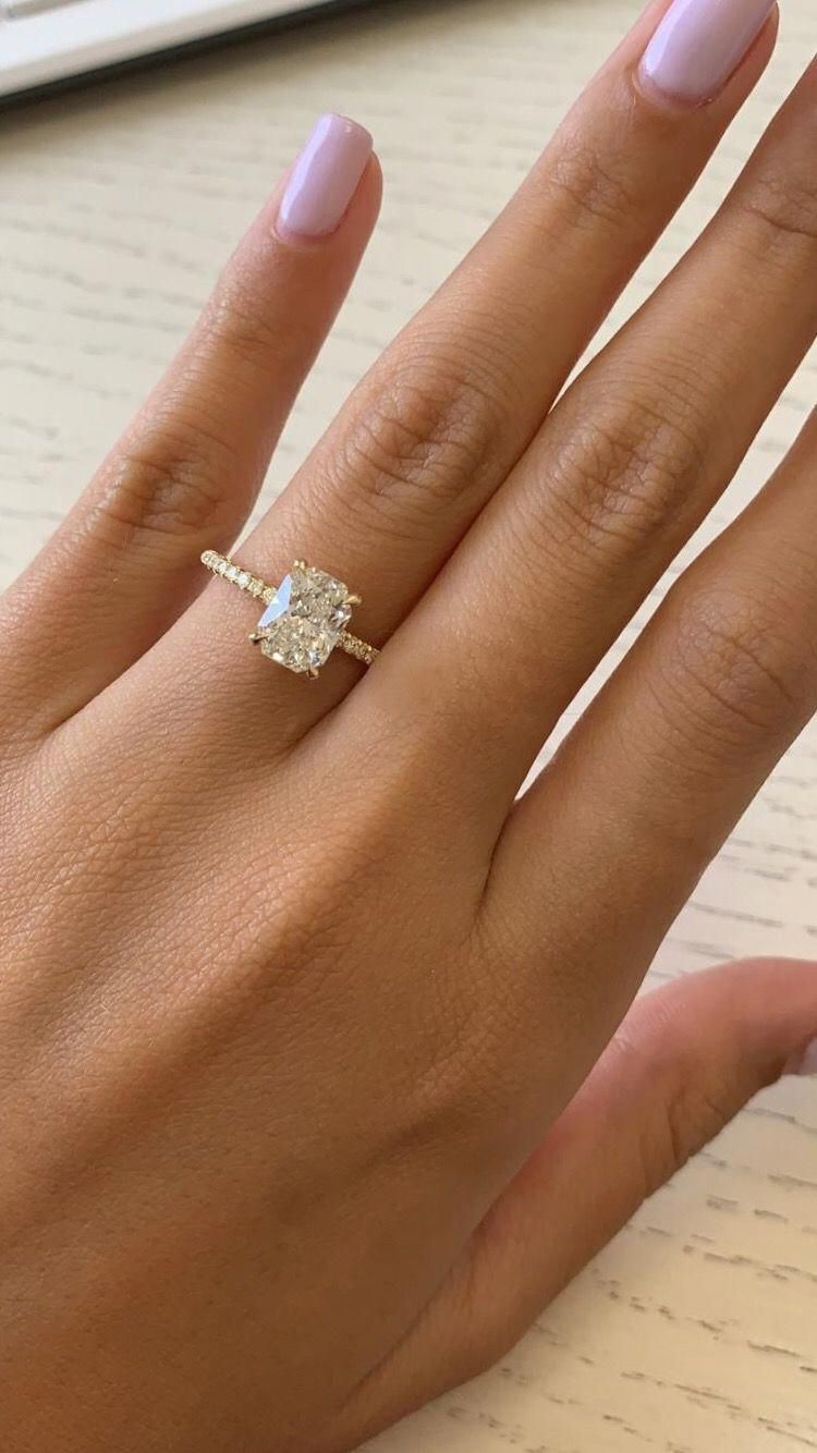 Gorgeous Wedding Leaf Art 2.20 Carat Round Cut Engagement Ring 14k White Gold