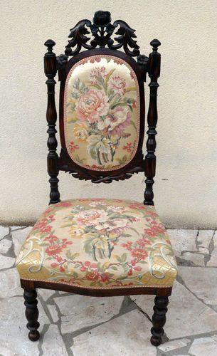 Chaise Basse Ancienne Chauffeuse Sculptee Louis Xiii Soierie Lyonnaise Chaise Soierie Chauffeuse