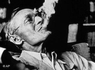 ผลการค้นหารูปภาพสำหรับ hermann hesse and smoking