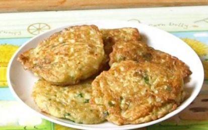 Frittata di riso filante - La frittata di riso filante è un secondo piatto facile e veloce da preparare. Un piatto leggero e estivo che si prepara con del riso già cotto, magari avanzatovi dal giorno prima, prosciutto cotto e mozzarella. #magariungiorno