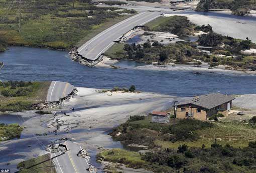 hurricane   Hurricane Irene 2011 -howling winds,falling trees,aftermath:flooding ...