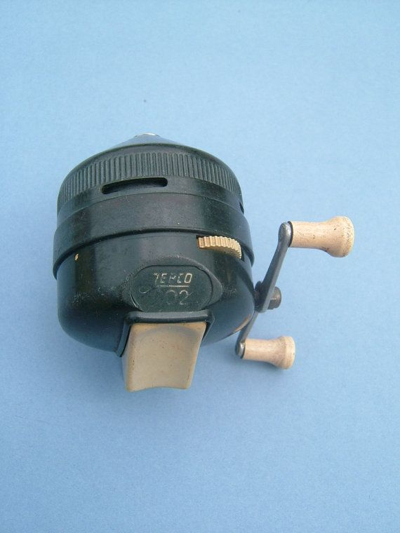 1950s vintage zebco 202 spincast fishing reel by for Bass fishing spinning reels