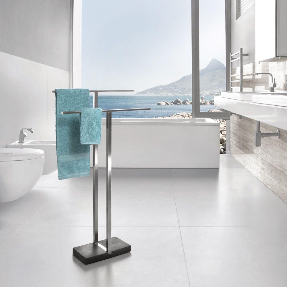 Menoto Handtuch Butler Handtuchstander Von Blomus Arshabitandi Designversand Geschenke Online Kaufe Modern Bathroom Accessories Towel Rack Modern Bathroom