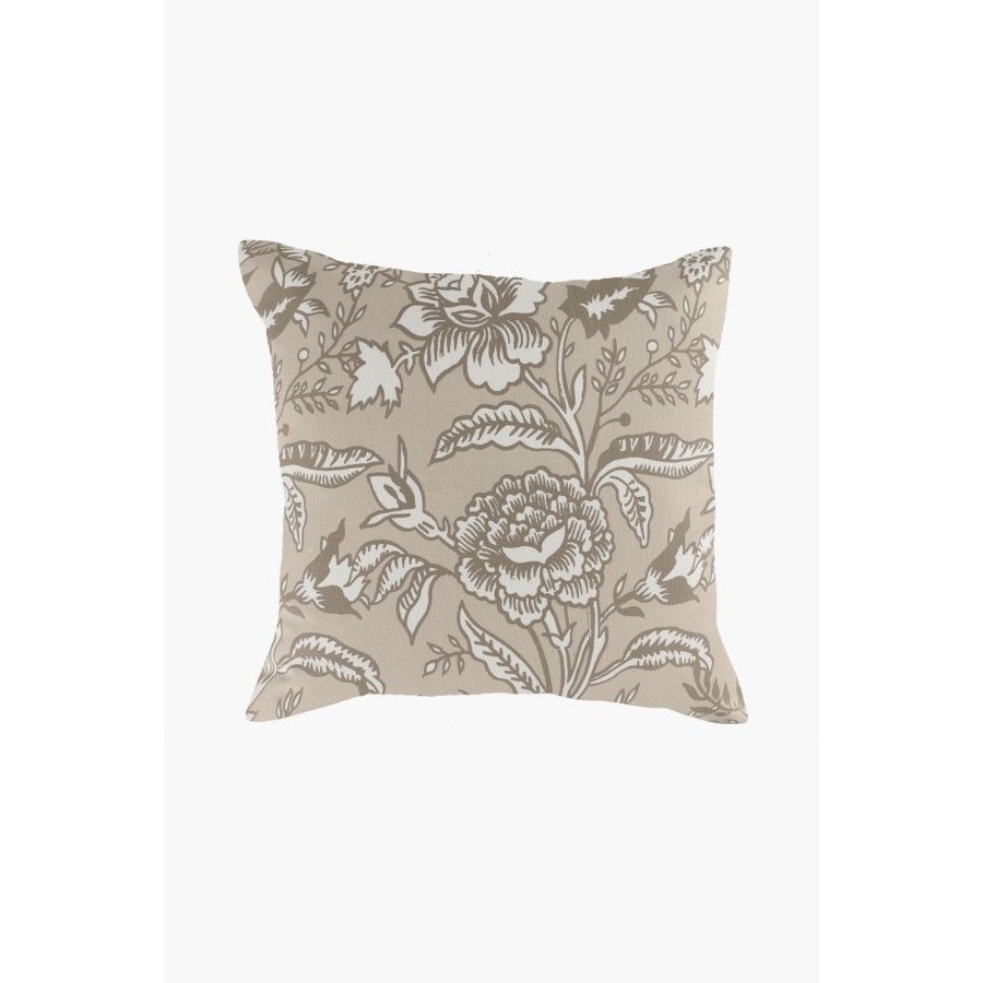This pretty pack floral detail scatter cushion cover set is a