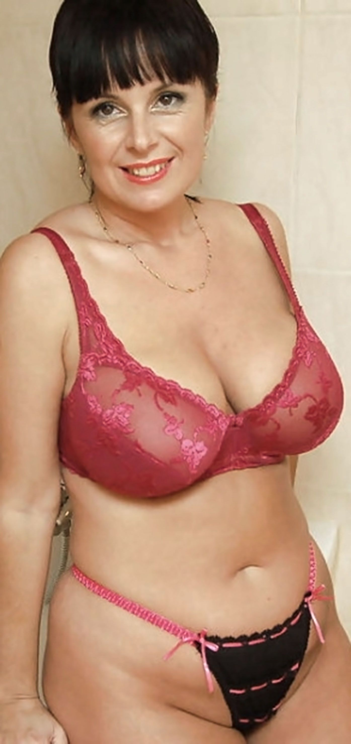 Lovely woman. Mature boobs are an ASSET to modelling not a ...