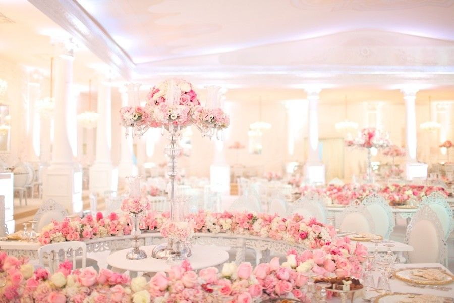 Modern royalty exclusive qatar wedding for daughter of a sheikh modern royalty exclusive qatar wedding for daughter of a sheikh modwedding junglespirit Images