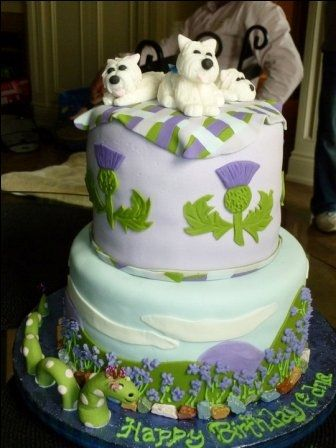 scottish thistle cakeI totally see this at my wedding one day