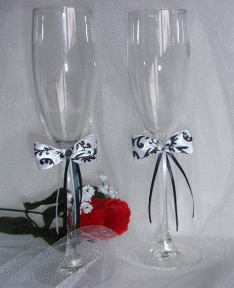 Wedding toasting glasses  flute wine glasses   by DoritasBoutique, $19.99