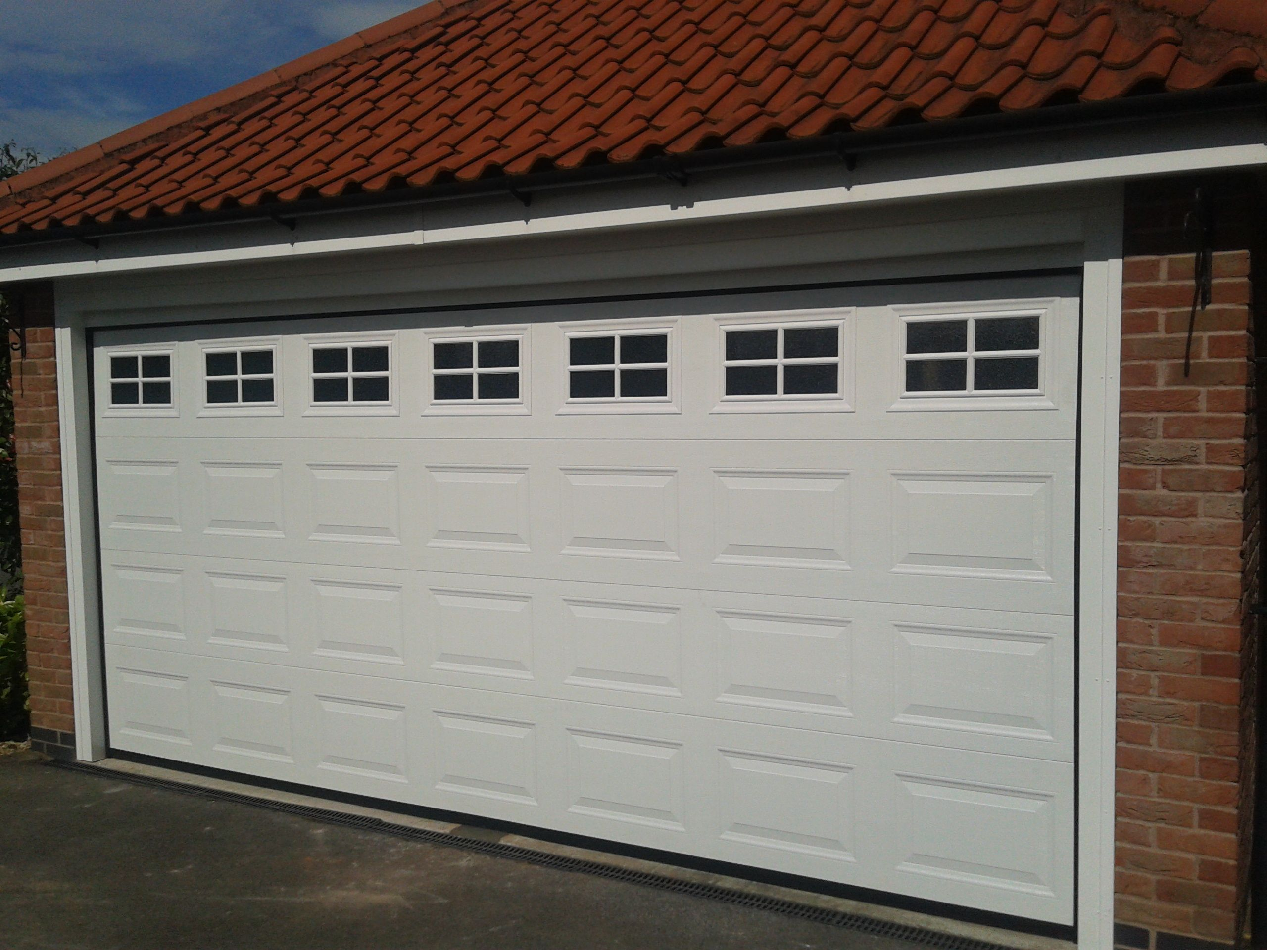 Depiction Of Awesome Two Car Garage Doors That Will Inspire You Garage Doors Automatic Garage Door Garage Door Windows