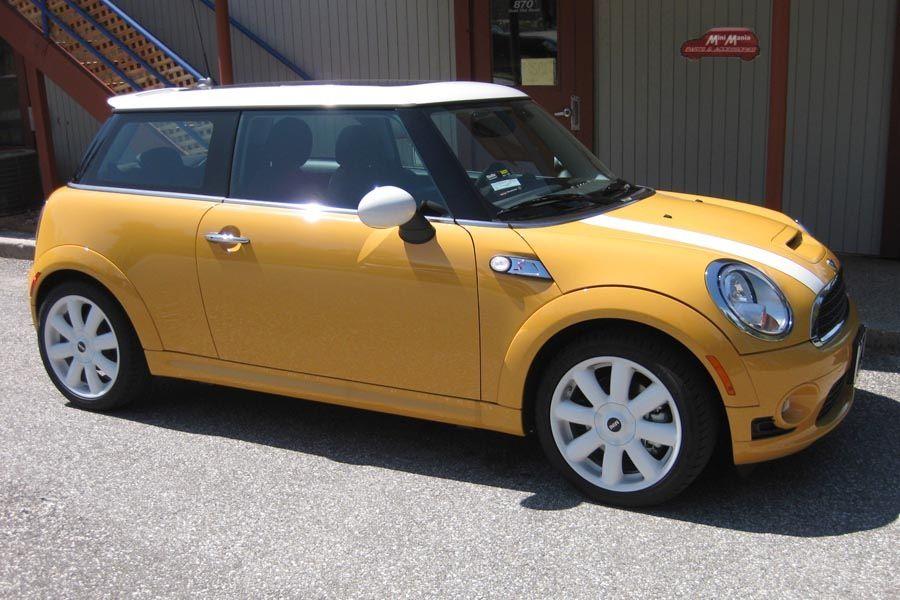 Yellow Mini Cooper Yellow Mini Cooper Mini Cooper Best Luxury Sports Car