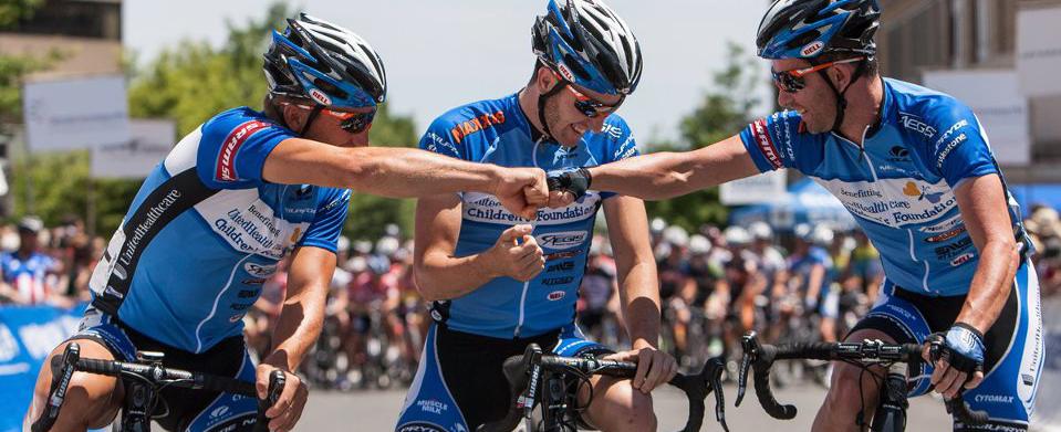 Team fist bump. Pro cycling, Cycling team, Cycling