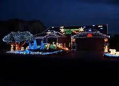 Christmas Roof Decorations Pinned By Dakwaarde Roofvalue Christmas Lights Outdoor Christmas Outdoor Christmas Lights