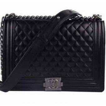 8cca559be56862 Sac Chanel - Noir   Accessoires pour Femmes   Sac à Main, Sac et Sac ...