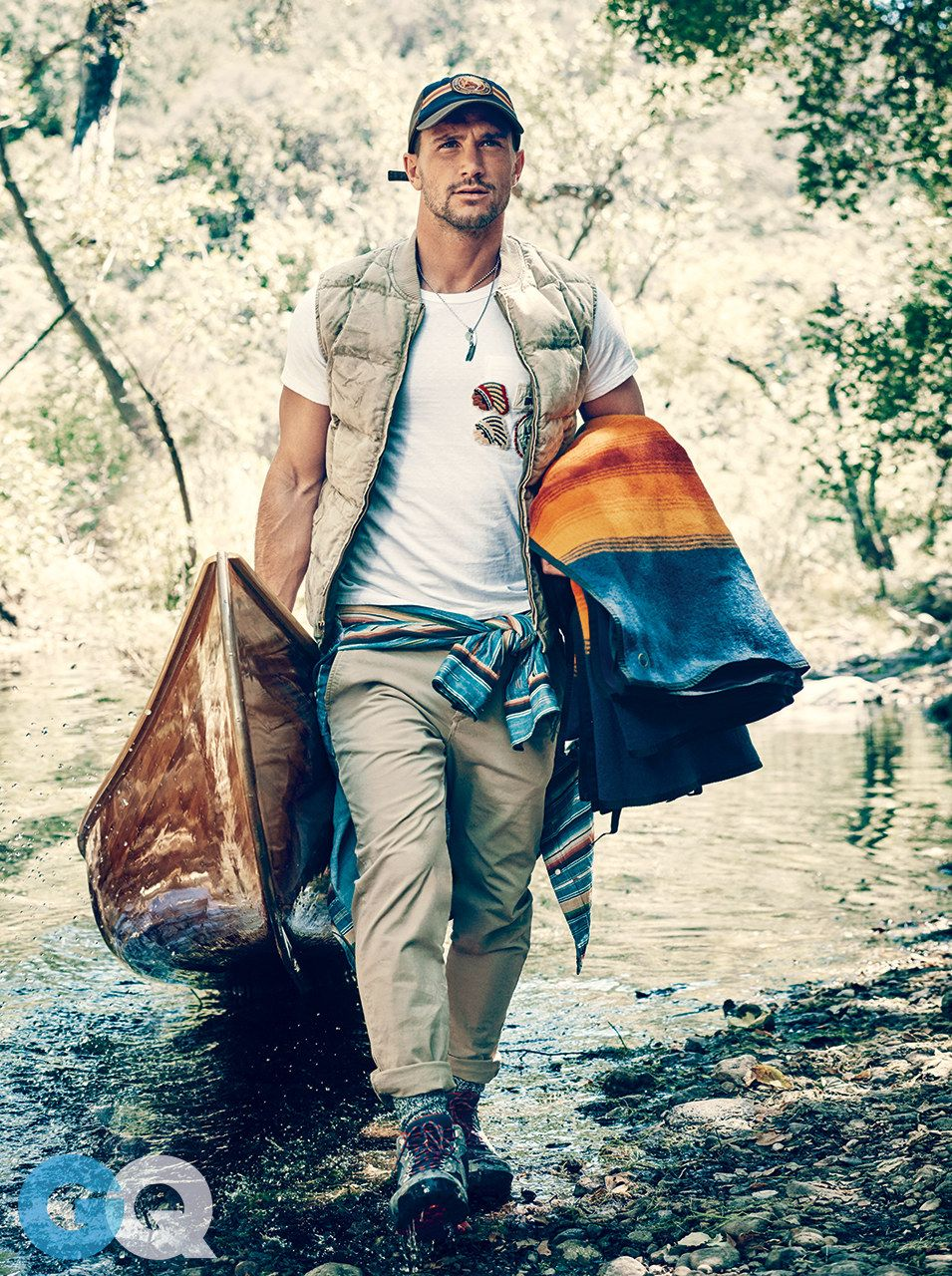 99dbe585f7d3a6 How to Dress for a Hike | GQ | Men's Fashion in 2019 | Hiking ...
