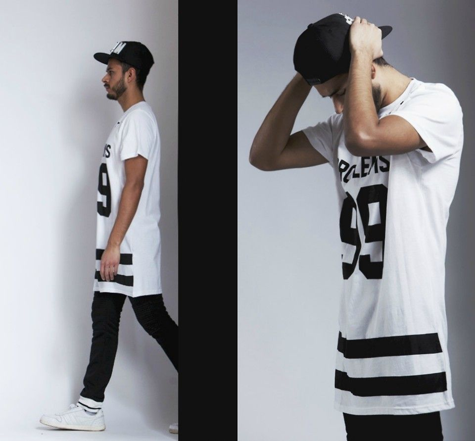 How to wear oversized tees http://iammanchic.com/2015/04/07/the-oversized-tee-look-is-still-a-thing/ #manchic #menswear #ootd #streetstyle #fashion #style