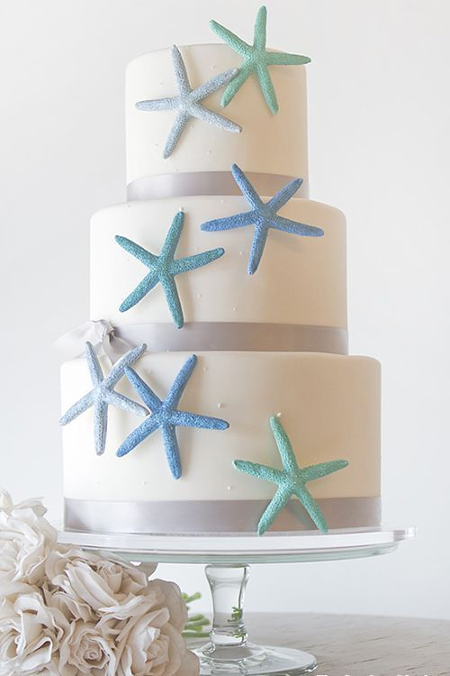6 Beautiful Beach Wedding Cakes Decorated with Shells and Sea Life -