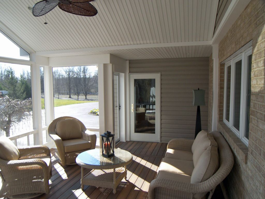 Screened porch with Fiberon Decking, color Ipe composite