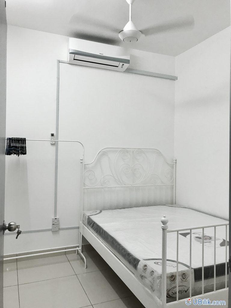 F Furnished Medium Room At You Vista Cheras 3 Min Walking To Mrt Suntex Kl Sentral Velocity B Bintang In 2020 Bed Frame Mattress Media Room Room