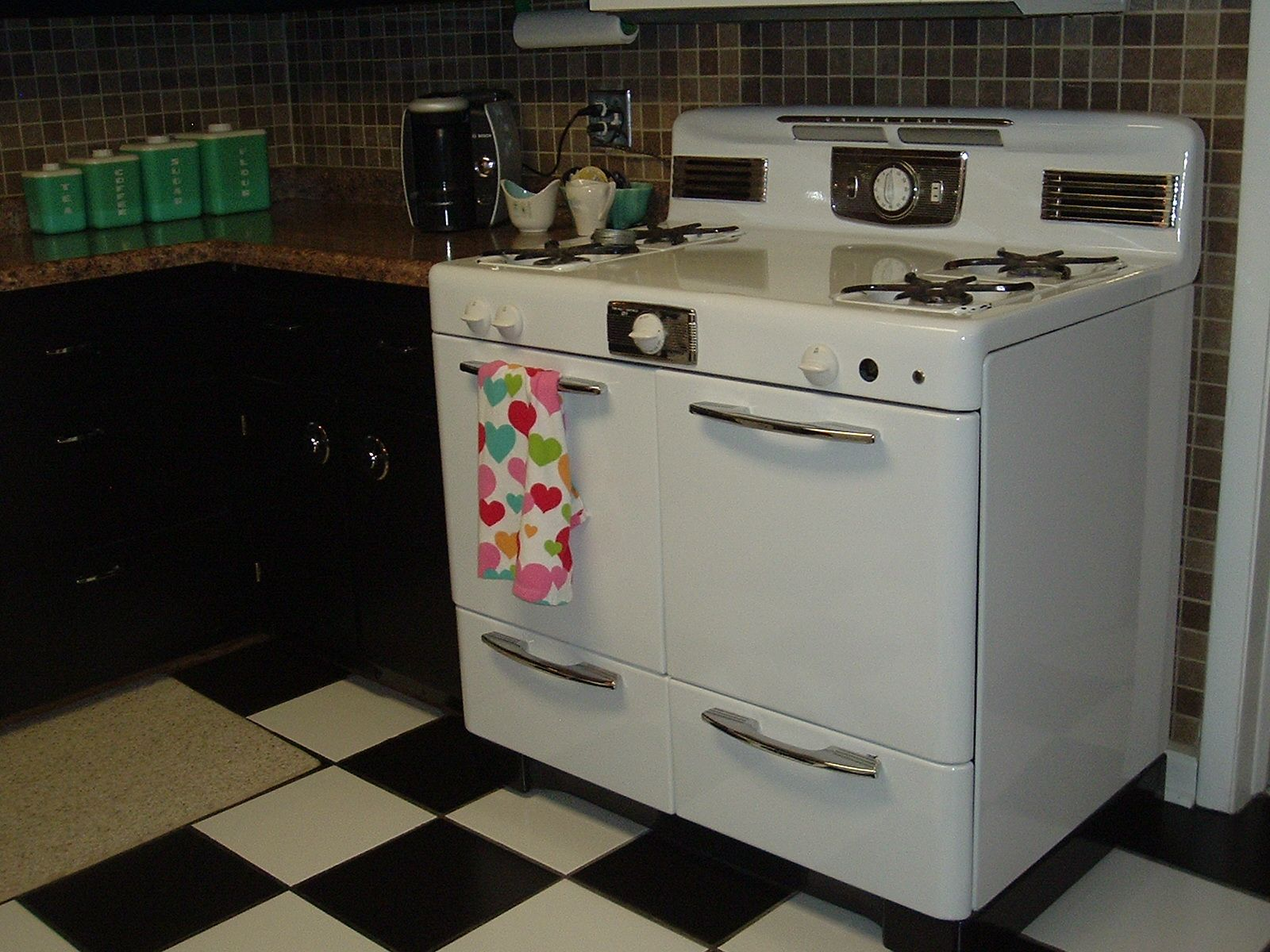 Uncategorized 1940s Kitchen Appliances 208 pictures of vintage stoves refrigerators and large appliances appliances
