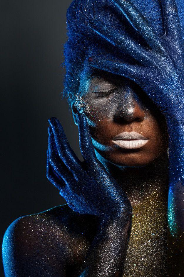 Beautiful woman with bodyart Free Photo | Premium Photo #Freepik #photo #shadow #bouquet #bridal-shower #design