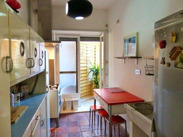 Vintage: estilo retro clásico en la cocina | Sillas rojas, Cocina ...