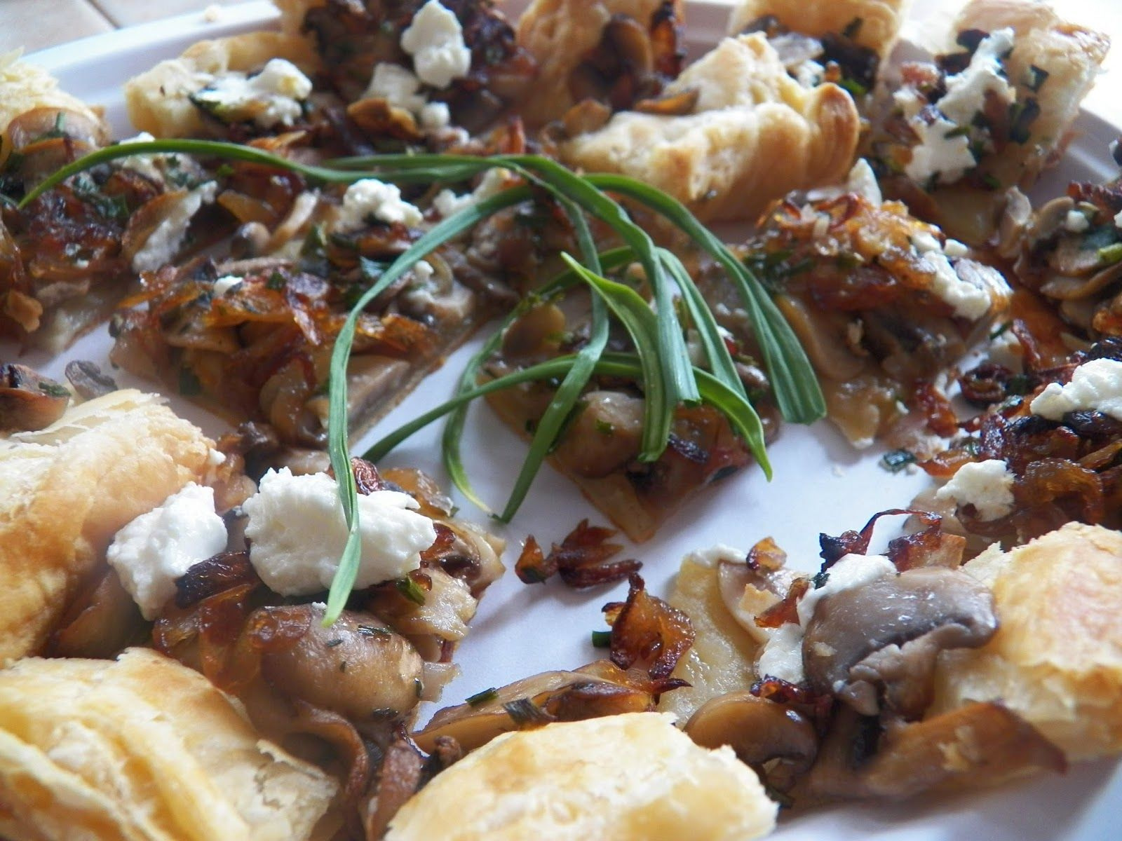 Sid's Sea Palm Cooking: Caramelized Shallot, Mushrooms and Garlic Scape Tart