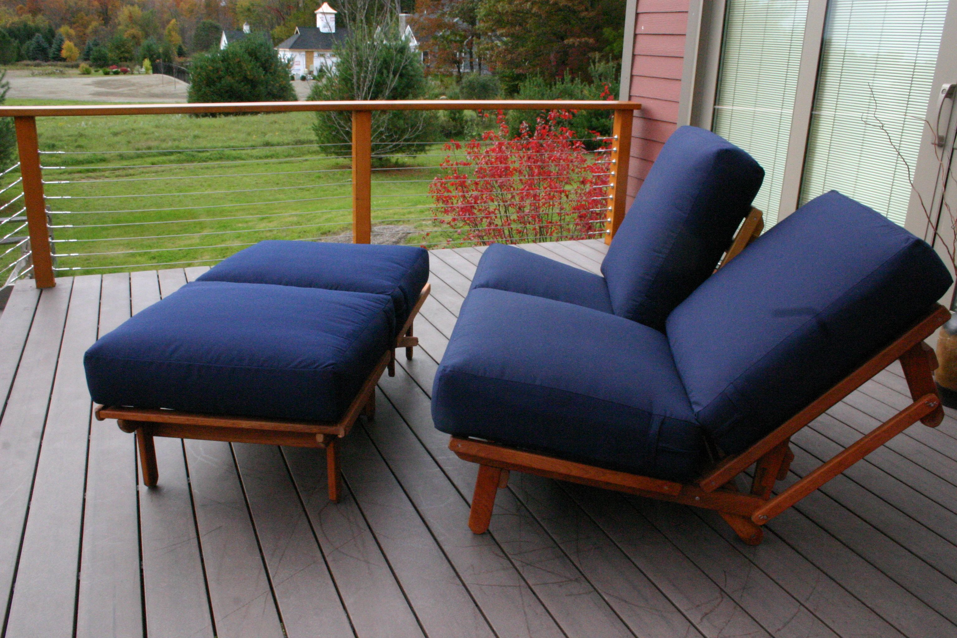 Terrific An Outdoor Loveseat And Ottoman That Is Made Up Of 3 Armless Creativecarmelina Interior Chair Design Creativecarmelinacom