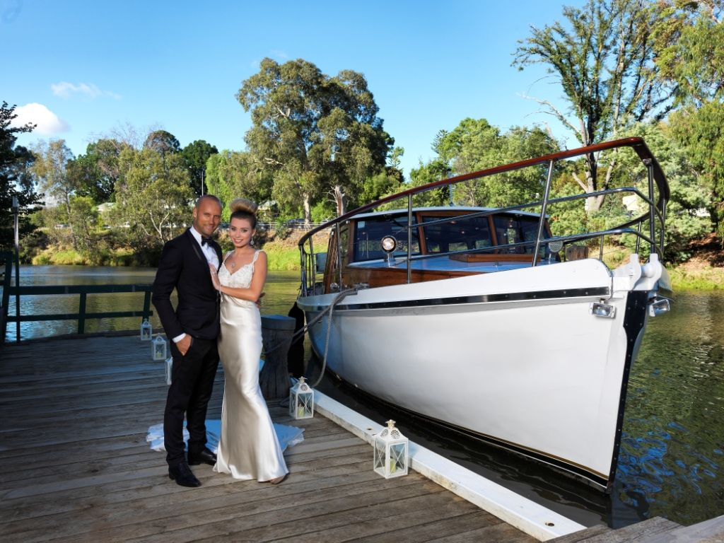 Arrive Or Depart Via Boat At Leonda By The Yarra