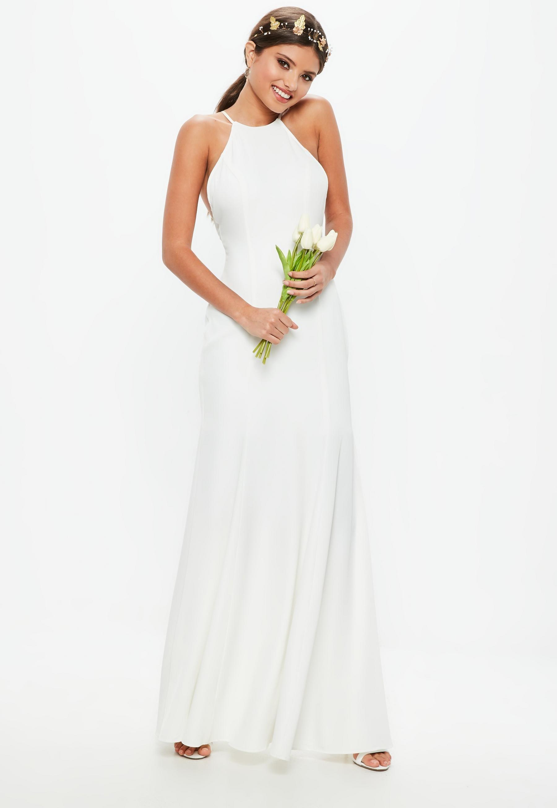 06878a38ce Ślubna biała sukienka z kwadratowym dekoltem i krzyżowanymi ramiączkami na  plecach