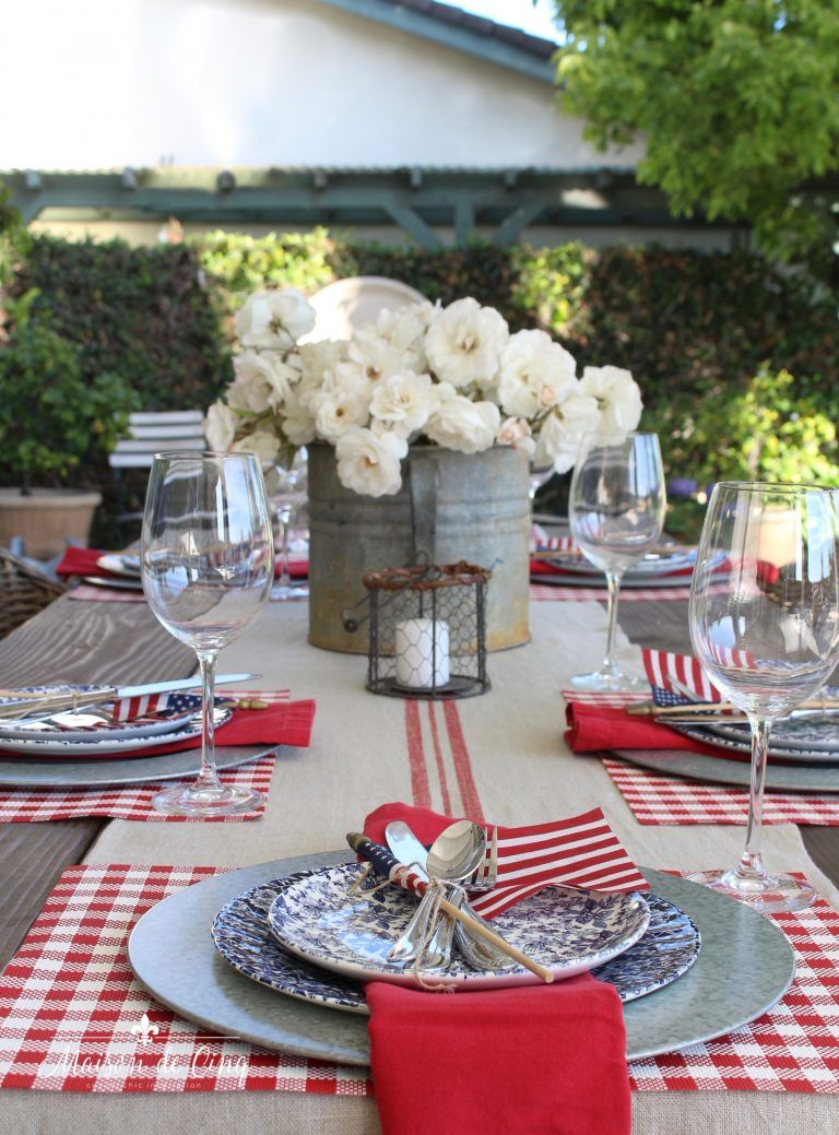 Patriotic Table Setting - 14 Ideas for Summer Table Inspiration