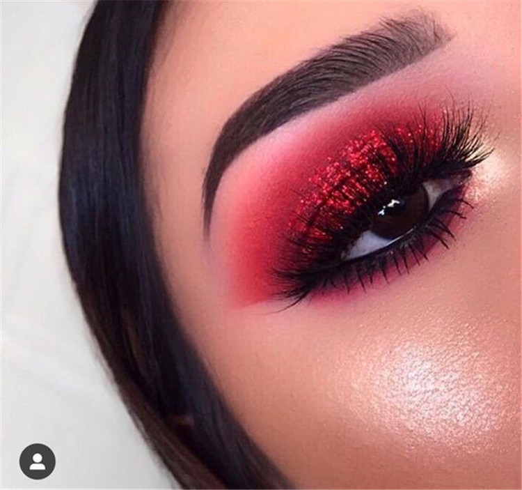 40 Amazing Red Eyeshadow Makeup Ideas For The Coming Valentine's Day -