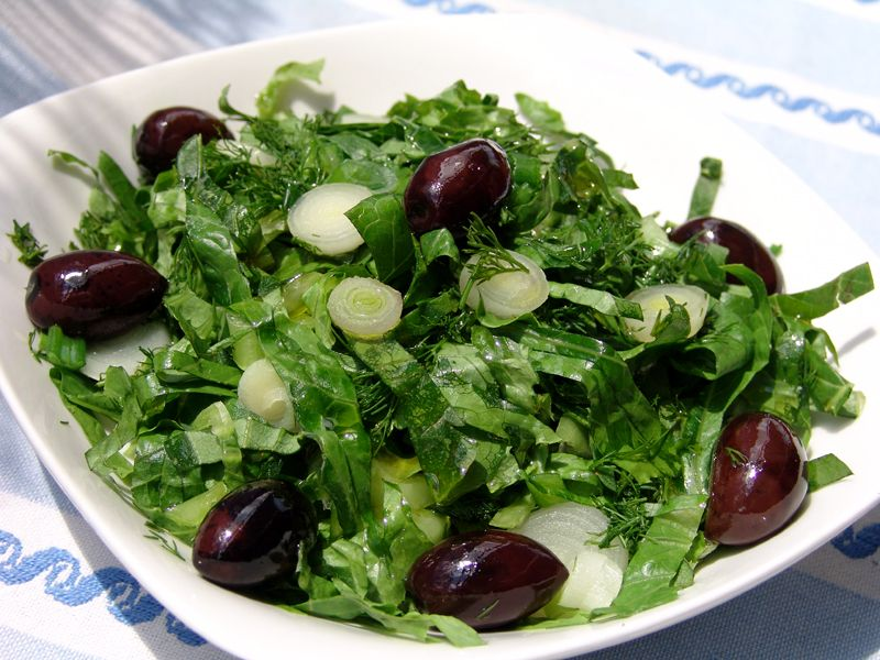 This is a salad that older generations grew up with and has remained indelible in our minds. There was only one kind of lettuce – romaine lettuce with its large crisp outer leaves and the golden heart.
