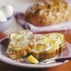 Paasbrood met mascarpone en lemon curd