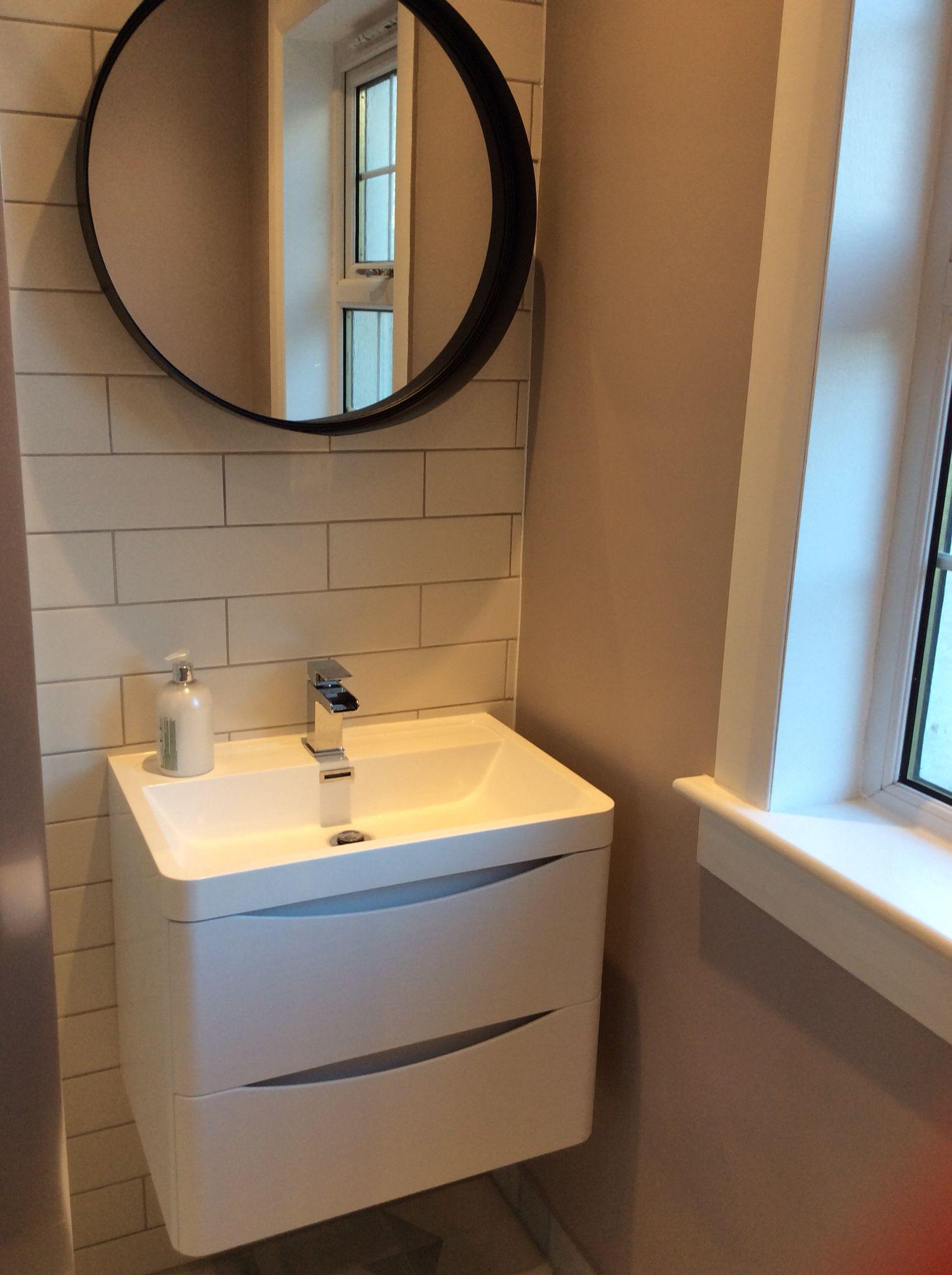 Sink Victoria plumb, mirror - maisonettes du monde, tiles - tops ...