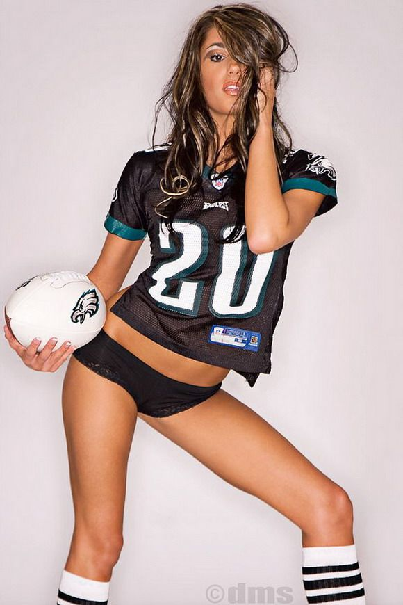 Hot women in jerseys