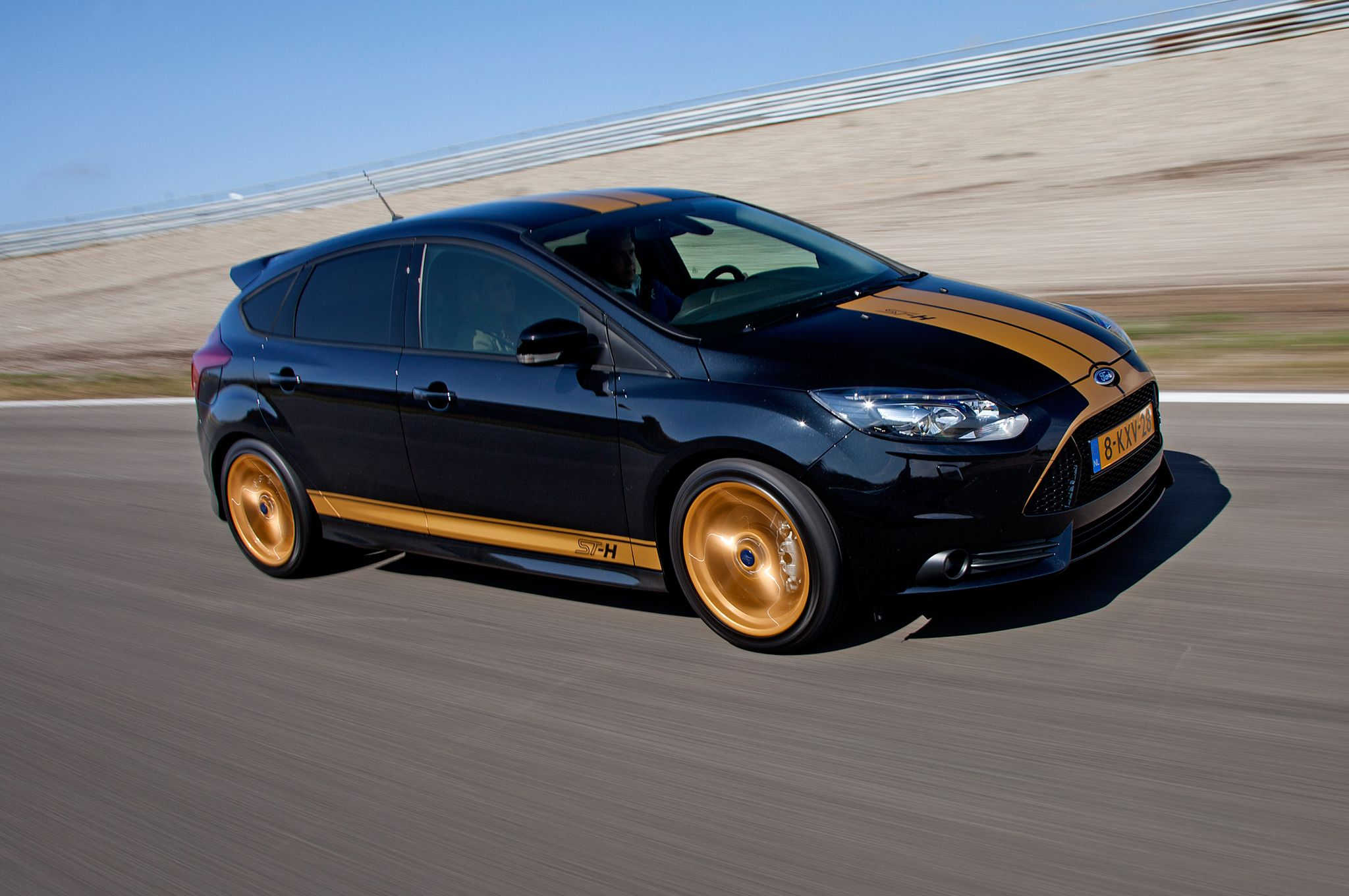 Ford Focus St H Front Three Quarters Jpg 2048 1360 Ford Focus Ford Focus St Ford Focus Hatchback