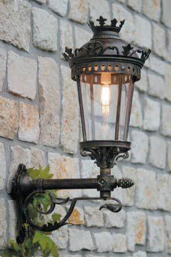 Applique En Fer Forge Pour L Exterieur Fabrique Par Les Forges Robers En Allemagne Ref 12090023 Lanterne Murale Fer Forge Lampes Victoriennes