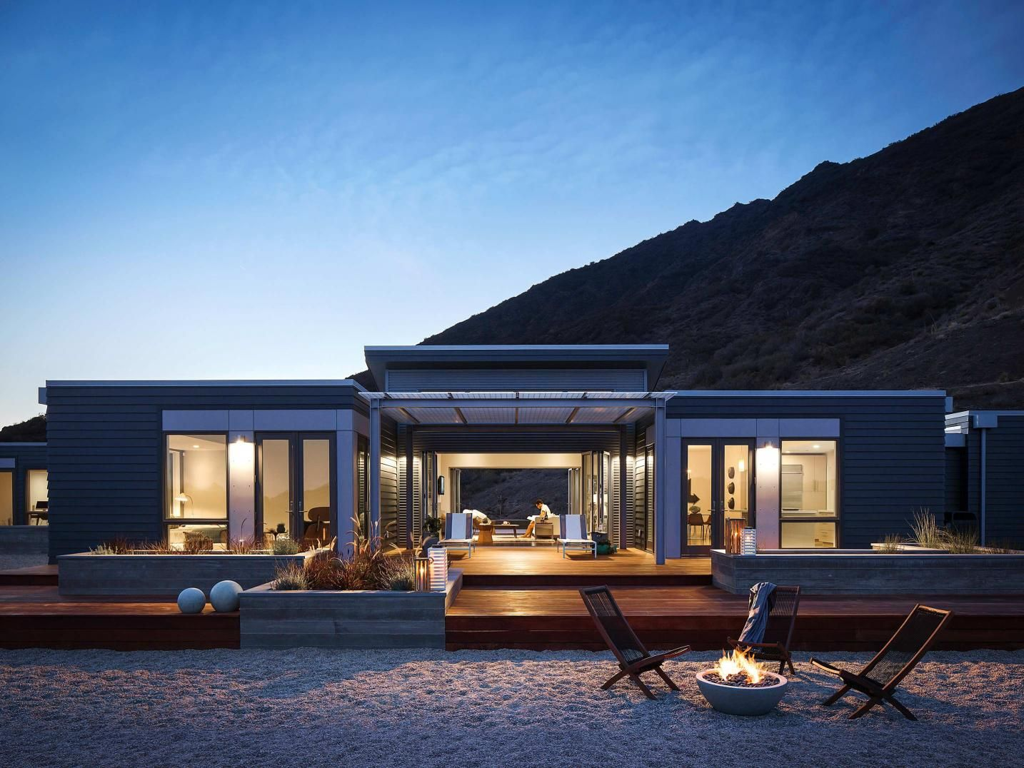 Single storey home flat roof future vertical expansion 6 social side - Blu Homes Breezehouse On The Beach