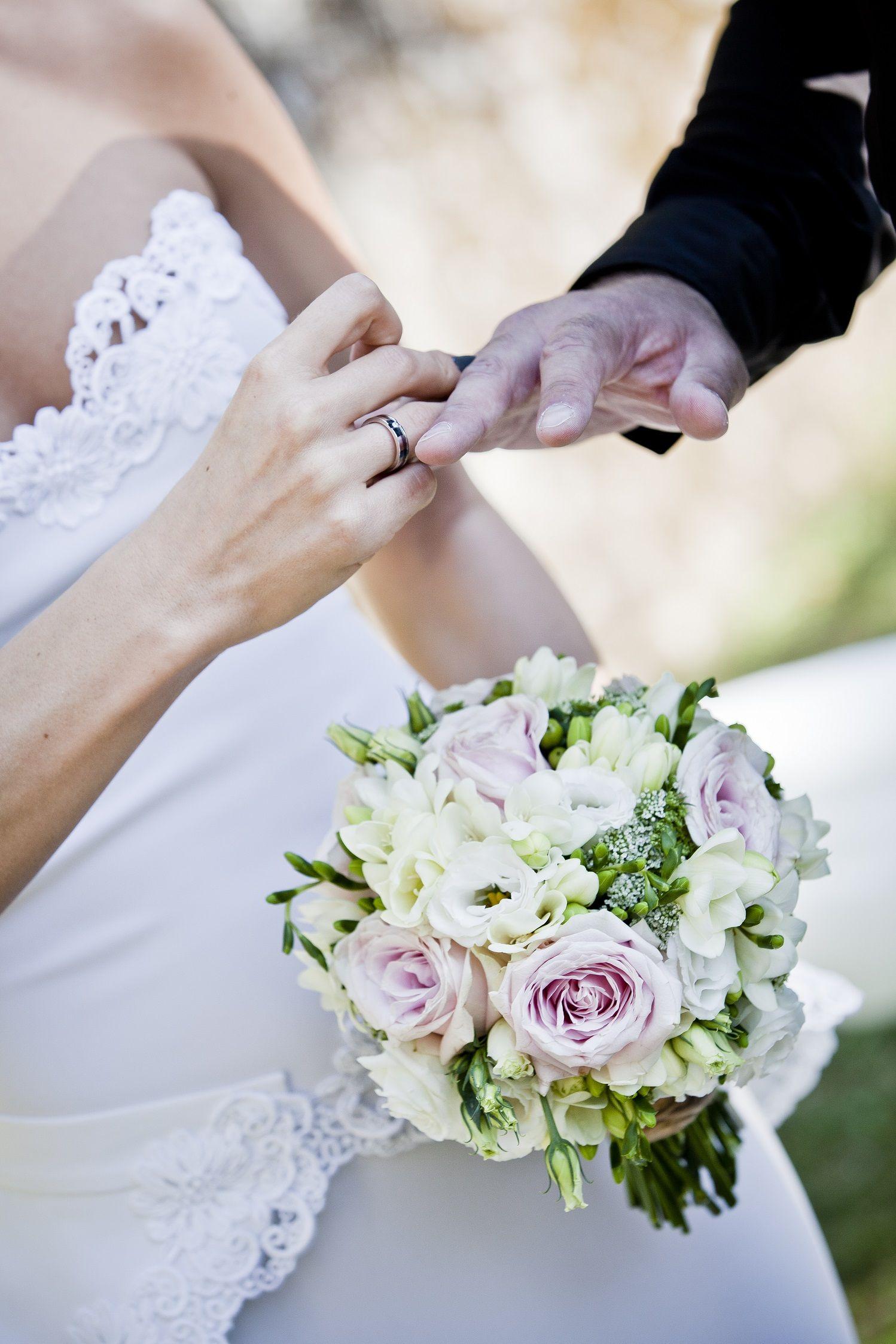 Небольшие букеты невесты фото, цветы эдема