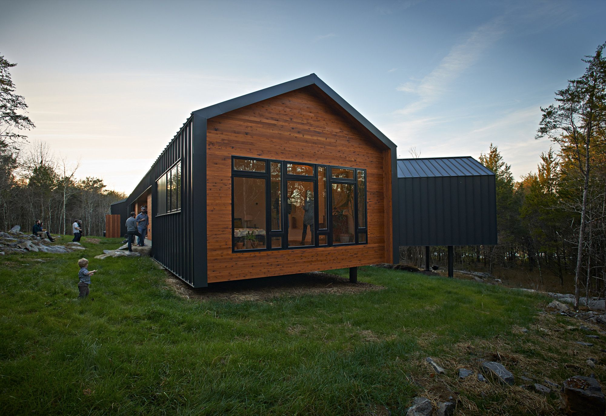 Image 8 of 15 from gallery of Holston River House / Sanders Pace Architecture. Photograph by Bruce Cole Photography