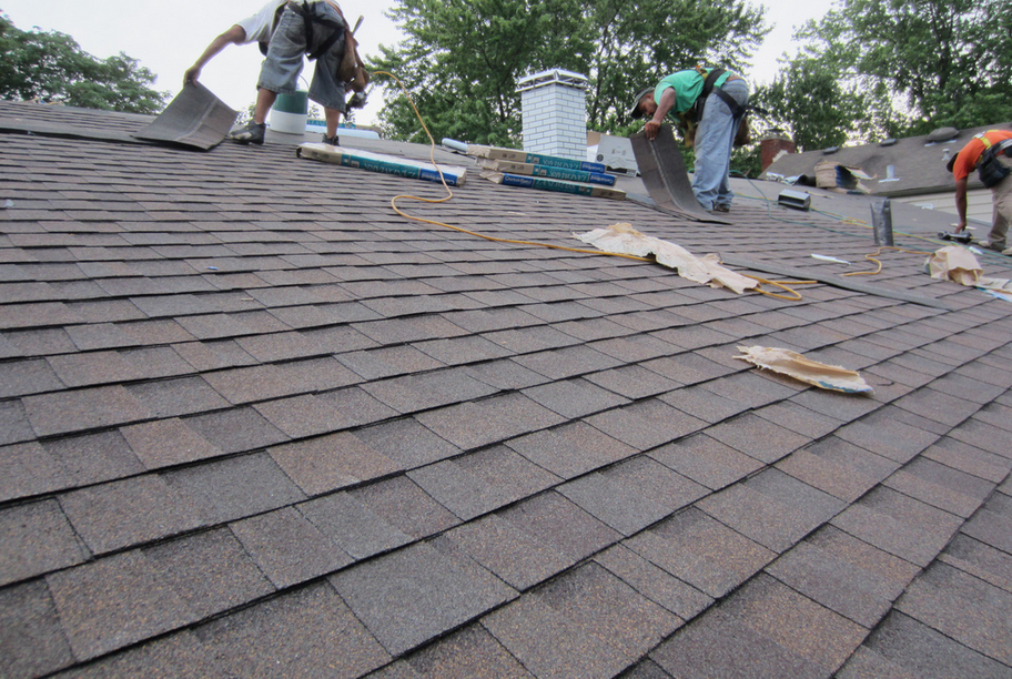 When You Are Planning To Replace Your Roof Shingle Roofing Could Be Your Good Choice For Roofing Shingle Roofing Has Many Benefi Roof Sheathing Roof Deck Deck