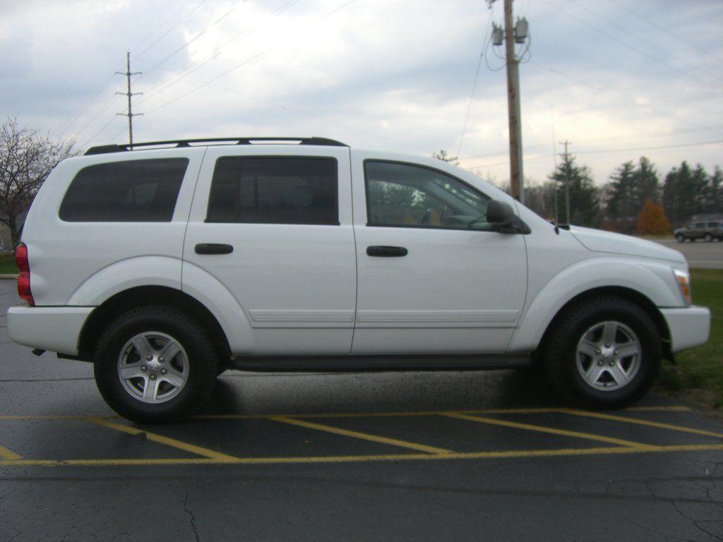 2005 White Dodge Durango