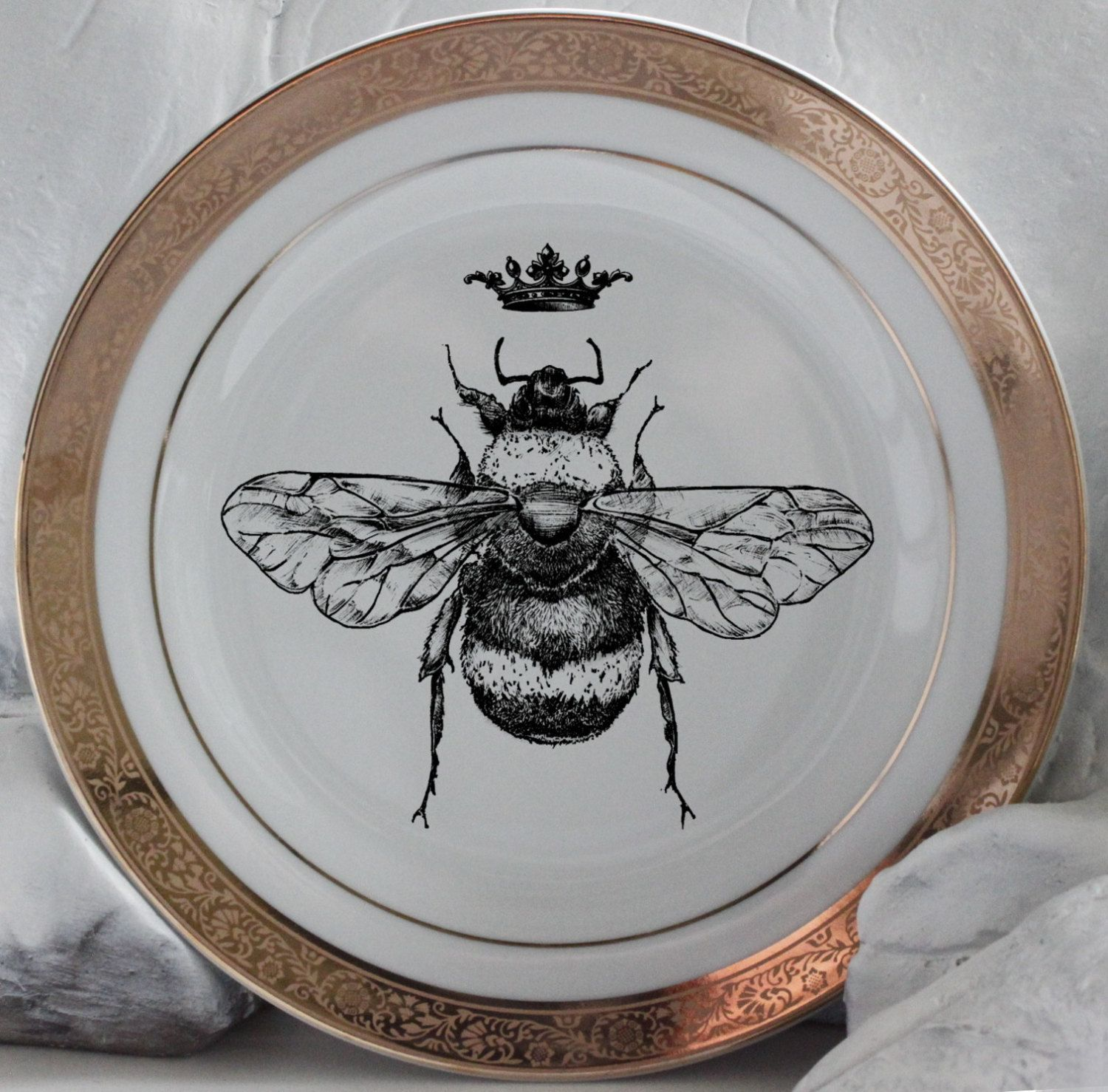 Beautiful Gold Queen / Royal Crown Bee Dinnerware / Plates & Beautiful Gold Queen / Royal Crown Bee Dinnerware / Plates ...
